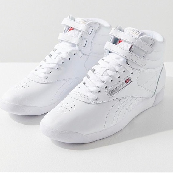 ede9c36ab6 Scarpe Reebok Sneaker Novità 6 Poshmark Sz Velcro aOa0xr6q